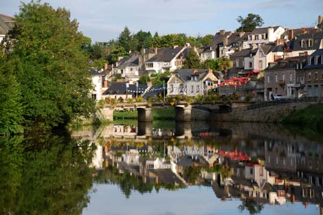 A charming Brittany town to see during your boating holiday in France