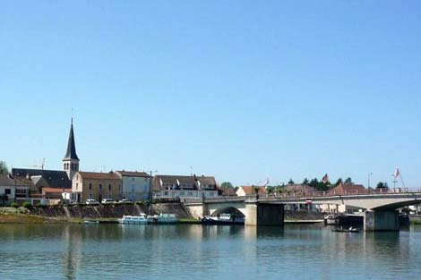 Boating Holidays in East Burgundy