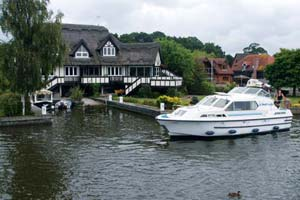 Cruiser Boat in the UK